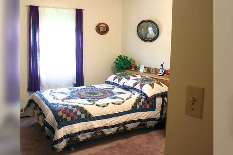 Homestead Manor Bedroom