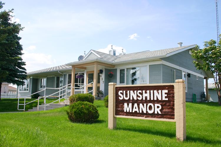 Sunshine Manor (Grassy Lake) - Outside